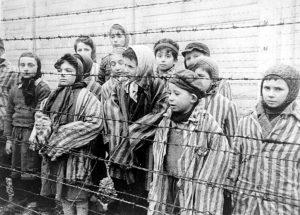 Crianças sobreviventes de Auschwitz